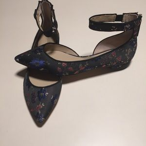 Ann Taylor Embroidered Flat Ankle Strap Sandals 7